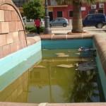 Bailén Denuncia – Suciedad en la fuente de la Plaza Yapeyú