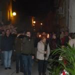 Decenas de bailenenses arropan en el Vía Crucis al Cristo del Buen Morir