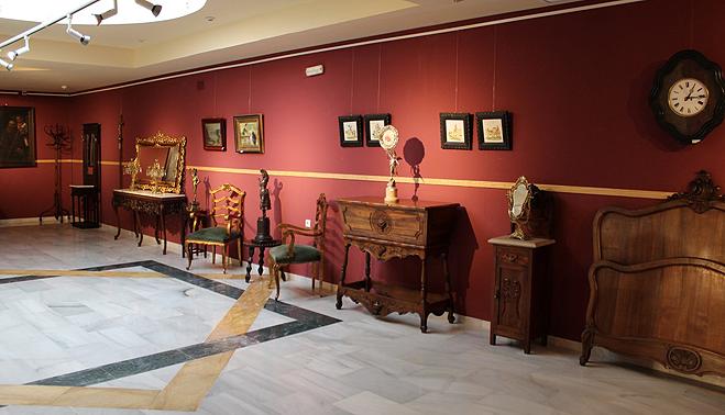 El museo alberga una exposici n de muebles antiguos toda for Muebles antiguos alfonsinos
