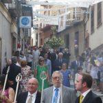 El Corpus procesiona por Bailén ante un intenso calor