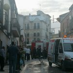 Una intensa humareda pone en alerta a los vecinos de la calle Marín Acuña