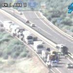 Dos fallecidos tras un accidente entre un camión y un autobús en la A-44